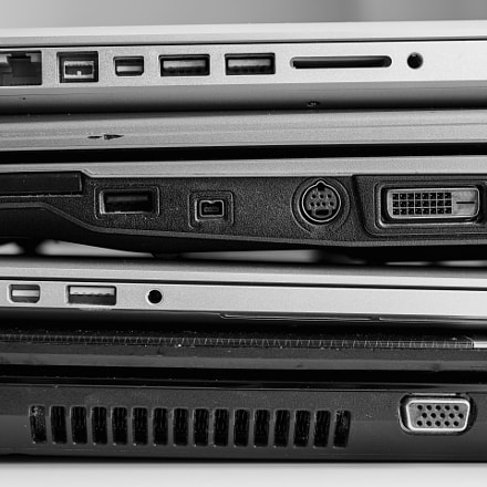 Roll of the laptops, Canon EOS 5D MARK III, Canon EF 50mm f/2.5 Macro