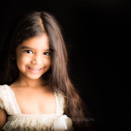 Smiling little girl, Canon EOS 5D MARK III, Canon EF 50mm f/1.2L