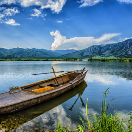 Boat and Lake, Sony ILCE-7M2, Sony FE 16-35mm F4 ZA OSS