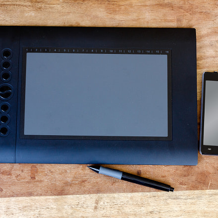 drawing tablet and moblie, Canon EOS 60D, Canon EF 50mm f/1.8 STM
