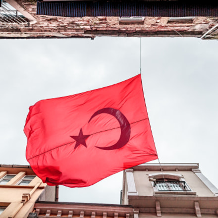 Red Flag, Canon EOS 5D MARK II, Canon EF 24mm f/1.4L II