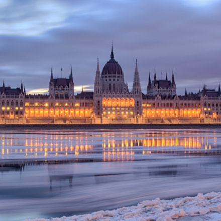 Parliament view over frozen, Nikon D7100, AF-S Nikkor 17-35mm f/2.8D IF-ED