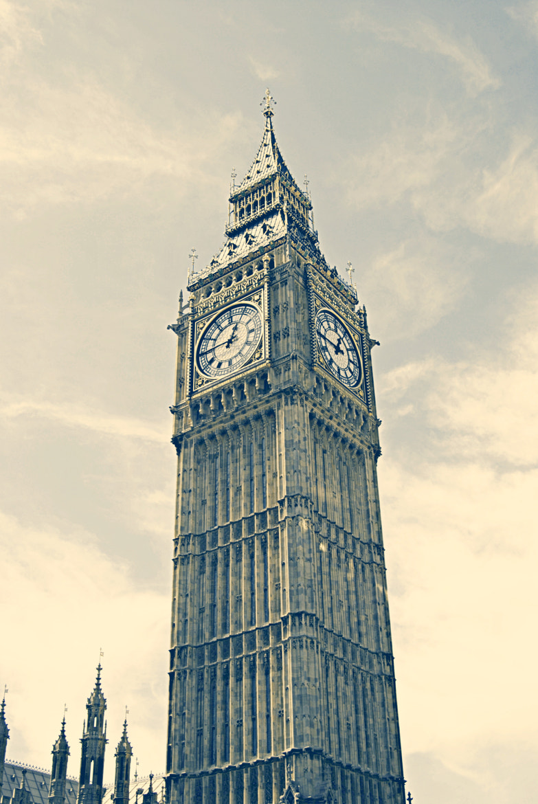 Photograph The Big Ben by Isabella  on 500px
