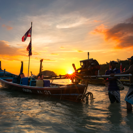 PHUKET, THAILAND -FEB 25, 2017 :fishermen and fishing boat with
