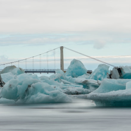 Floating Icebergs, Canon EOS DIGITAL REBEL XTI, Canon EF-S 55-250mm f/4-5.6 IS II