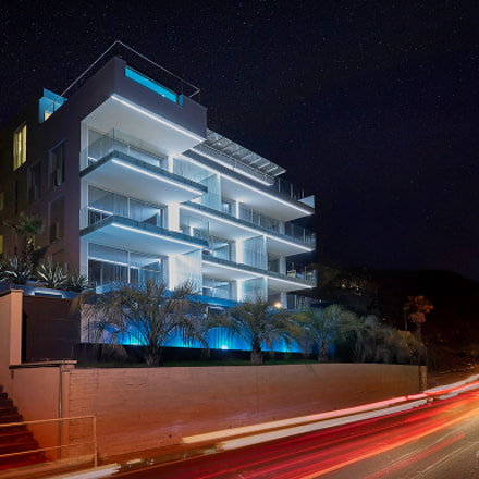 Luxury residential building in, Canon EOS-1D MARK II N, Canon EF 17-40mm f/4L