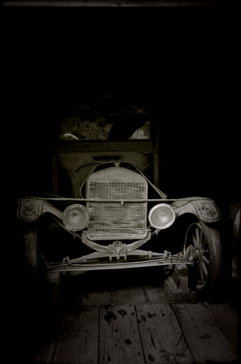 Photograph Old truck by Orlando Gutierrez on 500px