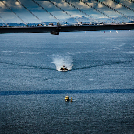 Boat and Bridge, Nikon D7000, AF-S DX VR Zoom-Nikkor 18-105mm f/3.5-5.6G ED
