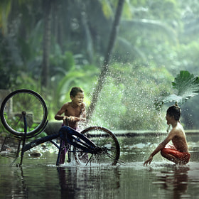 washing bike by JD Ardiansyah (djkelabu)) on 500px.com