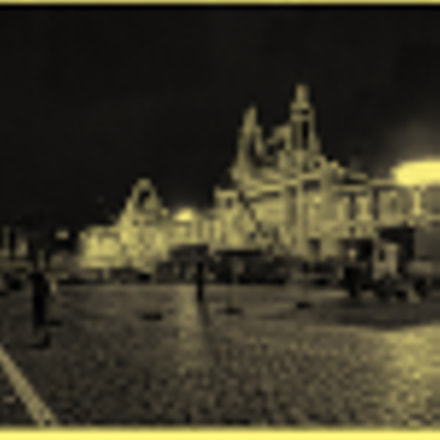 Red Square in Yellow, Canon POWERSHOT SX1 IS