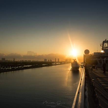 And the sun goes, Canon EOS 5D MARK III, Sigma 24mm f/1.4 DG HSM | A