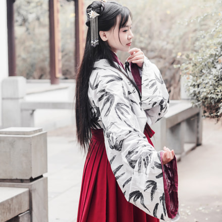 Girl in Han Clothing, Canon EOS 650D, Canon EF 50mm f/1.8 II