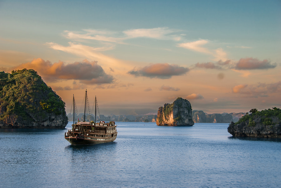 Halong Bay II by César Asensio on 500px.com