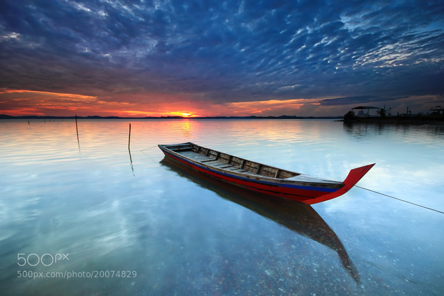 Photograph sampan tertambat by Danis Suma Wijaya on 500px