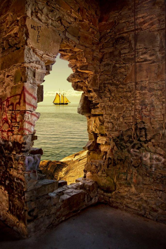 Photograph hole in the wall by Will Datené on 500px