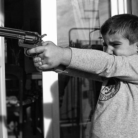Young Gunslinger, Nikon E2500
