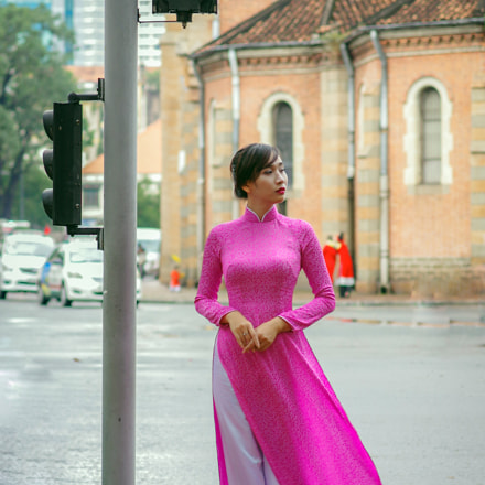 lady's in aodai, RICOH PENTAX K-3, HD PENTAX-DA 70mm F2.4 Limited