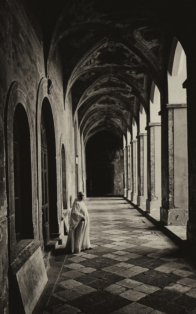 Photograph Outside the sacristy by Giuseppe Grimaldi on 500px