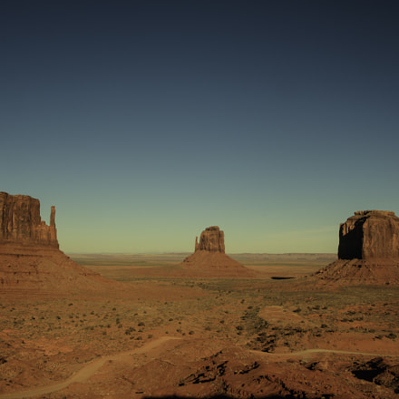 Monument Valley , Canon EOS REBEL T6I, Tamron AF 19-35mm f/3.5-4.5