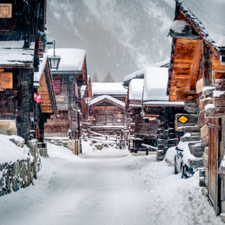Zinal old chalets
