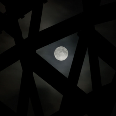 Triangle with the moon, Pentax K-5 II S