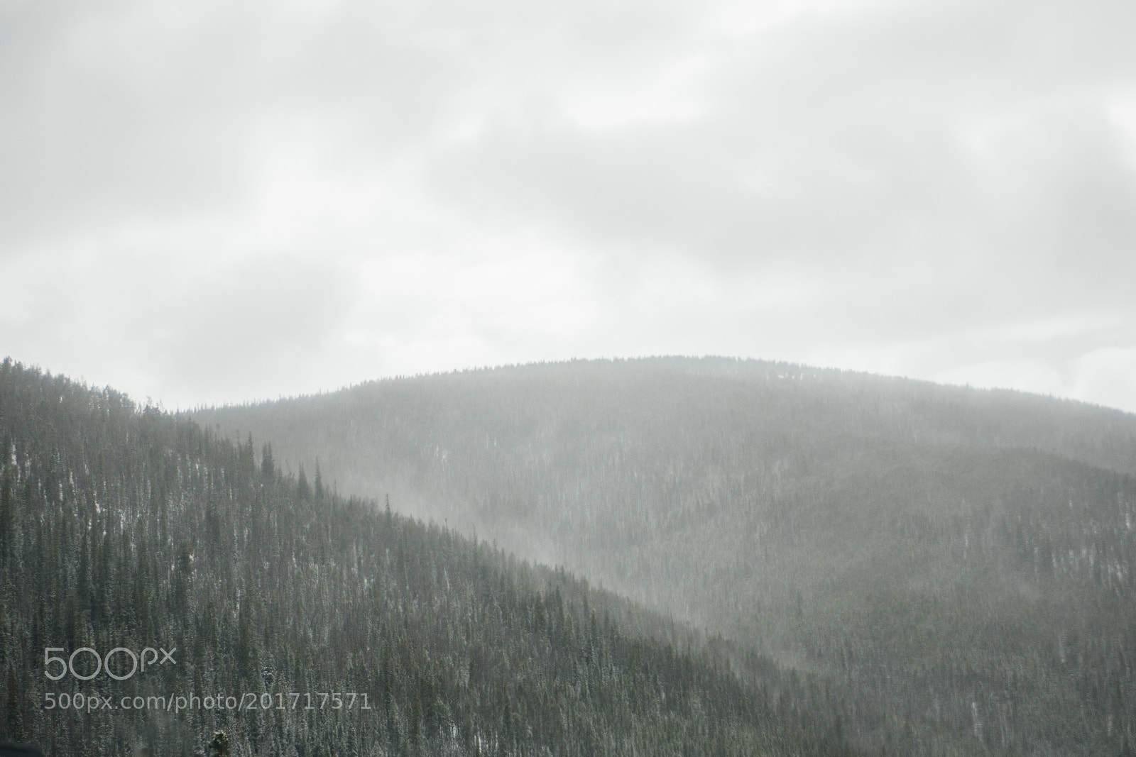 Misty Mountain, Canon EOS 5D, EF28-70mm f/2.8L USM
