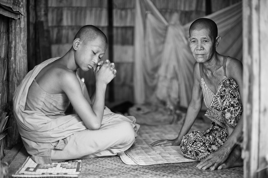 Photograph Mother and son by Alain Schneuwly - One Eye Sees, The Other Feels on 500px