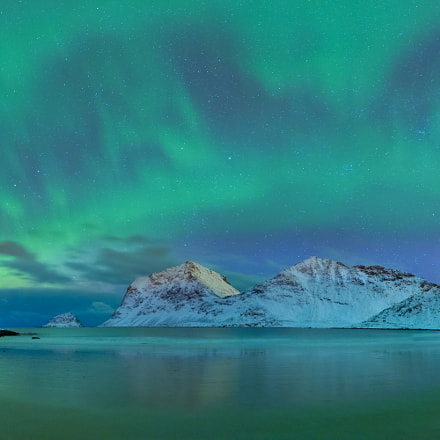 Aurora, photographers and ghost., Nikon D810A, AF-S Zoom-Nikkor 14-24mm f/2.8G ED