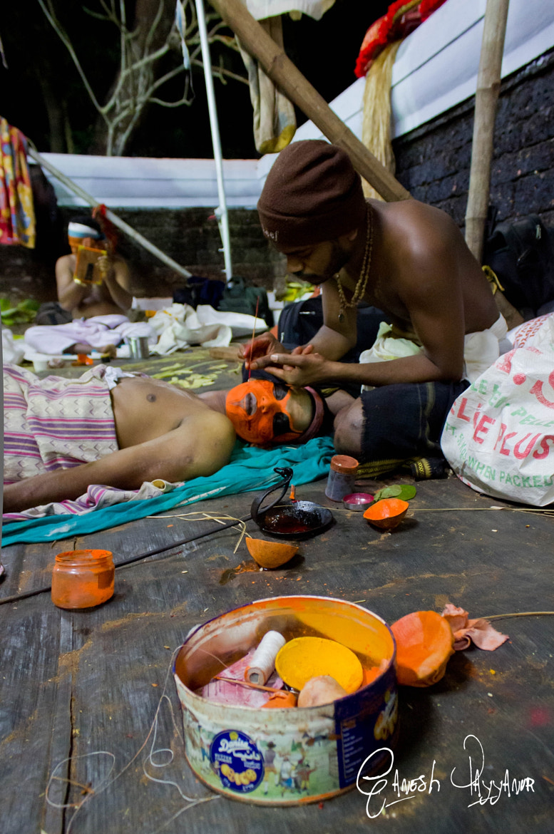 Photograph Painting the god's face by Ganesh Payyanur on 500px