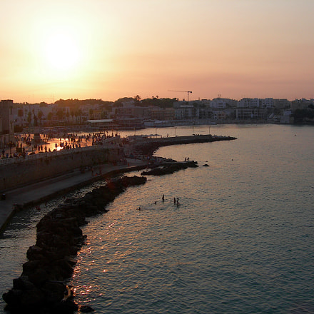 Sunset to Otranto., Nikon E7600