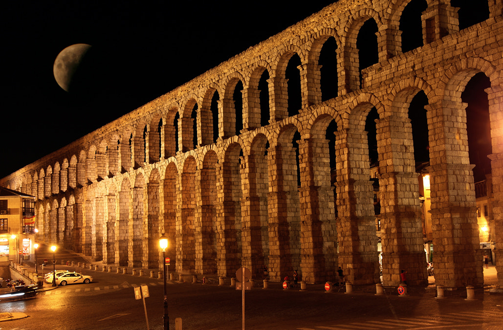Photograph Acueducto de Segovia by Mariano Fernandez Martinez on 500px