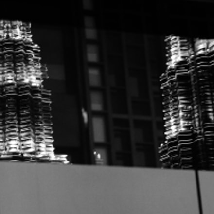 Reflection of the Petronas, Sony ILCE-6000