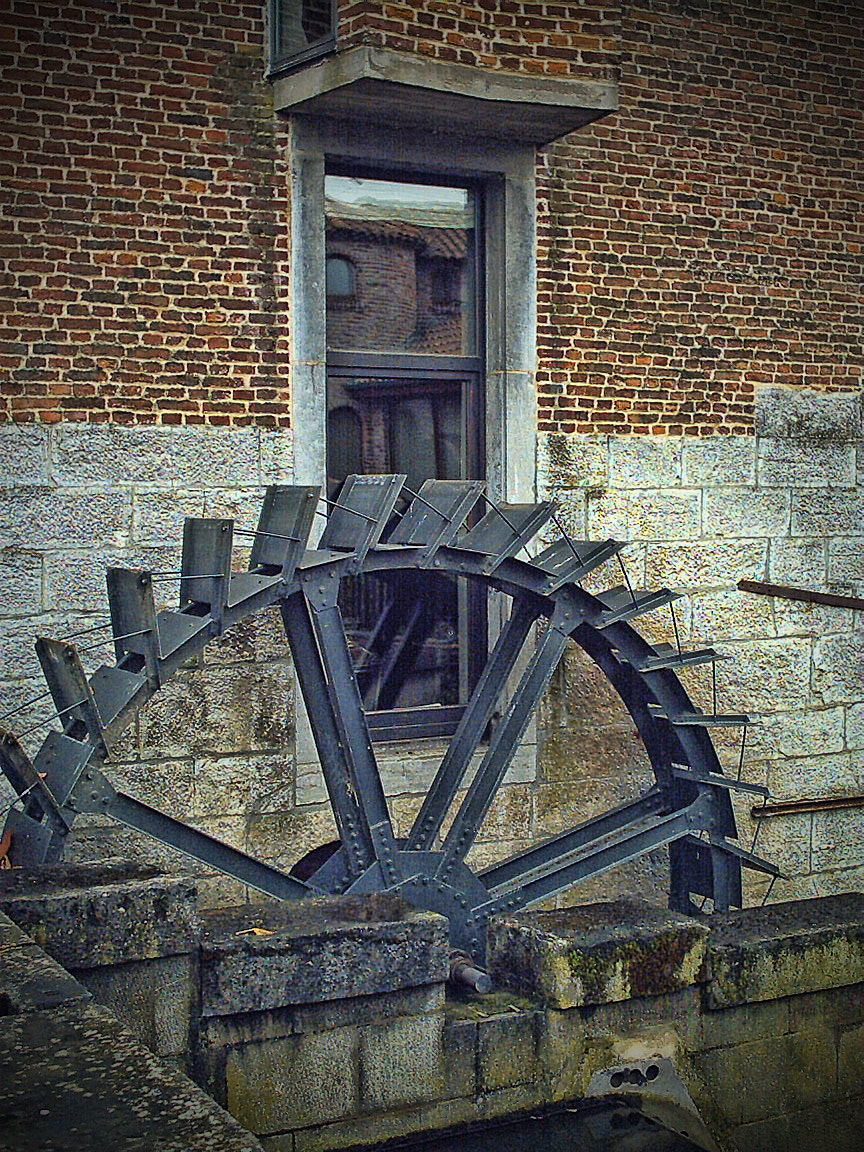 Photograph WATER WHEEL 2 by oeth 0401 on 500px