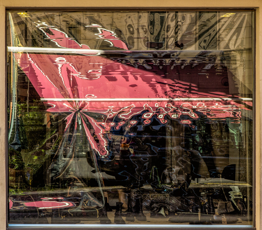 Window reflections in Stresa
