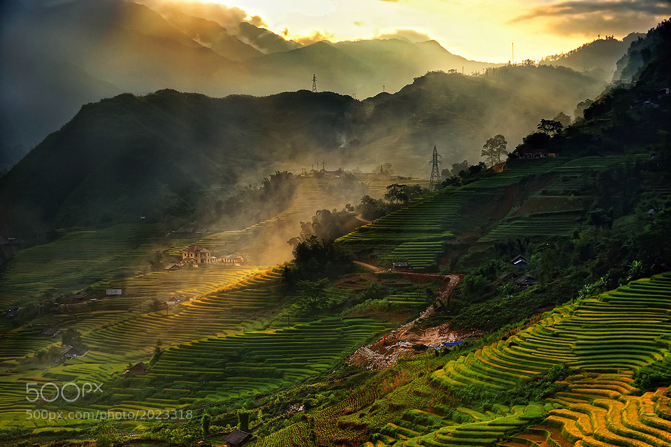 Photograph SAPA by Tonnaja Anan Charoenkal on 500px