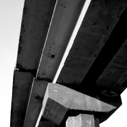 Black and white bridge, Sony DSC-W200