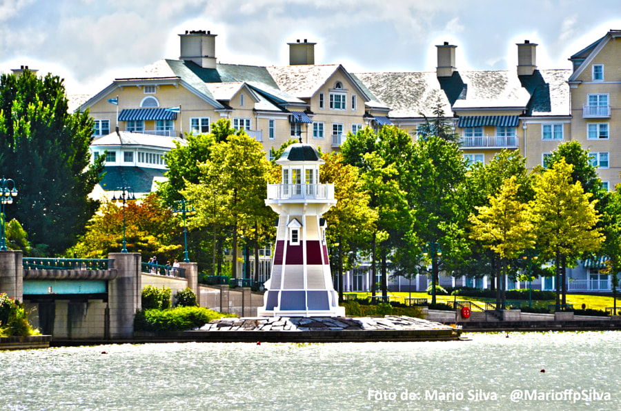 Disneyland Paris - Lago zona hoteles by Mario Filipe  Fernandes Pinto da Silva (MarioffpSilva)) on 500px.com