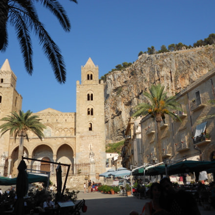Church of Cefalu', Sicily, Nikon COOLPIX S3100