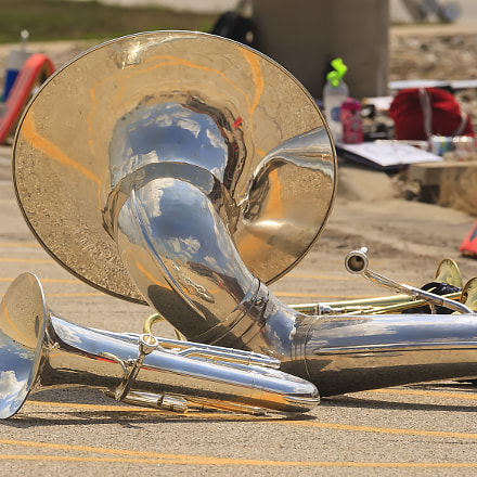 brass section at rest, Canon EOS-1D MARK III, Canon EF 28-300mm f/3.5-5.6L IS