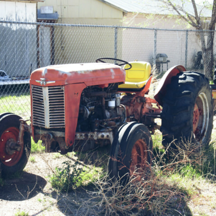 Old Tractor, Canon POWERSHOT ELPH 340 HS