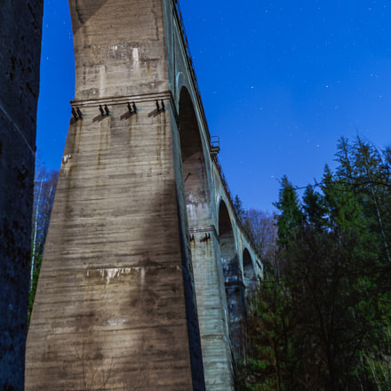 Railway viaduct at night, Nikon D700, Sigma 24mm F1.8 EX DG Aspherical Macro