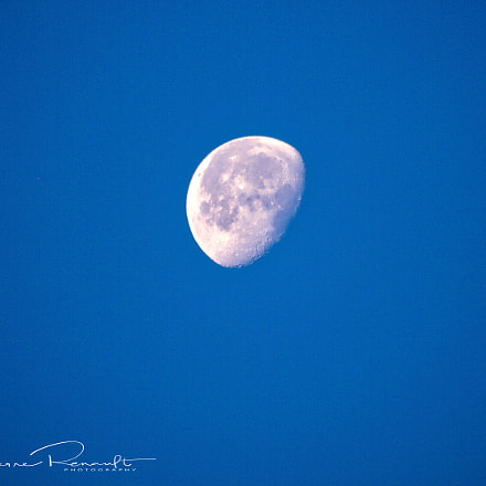Moon, Panasonic DMC-GH1, Lumix G Vario 100-300mm F4.0-5.6 Mega OIS