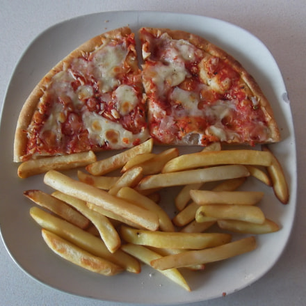 PIZZA  AND CHIPS, Fujifilm FinePix T350