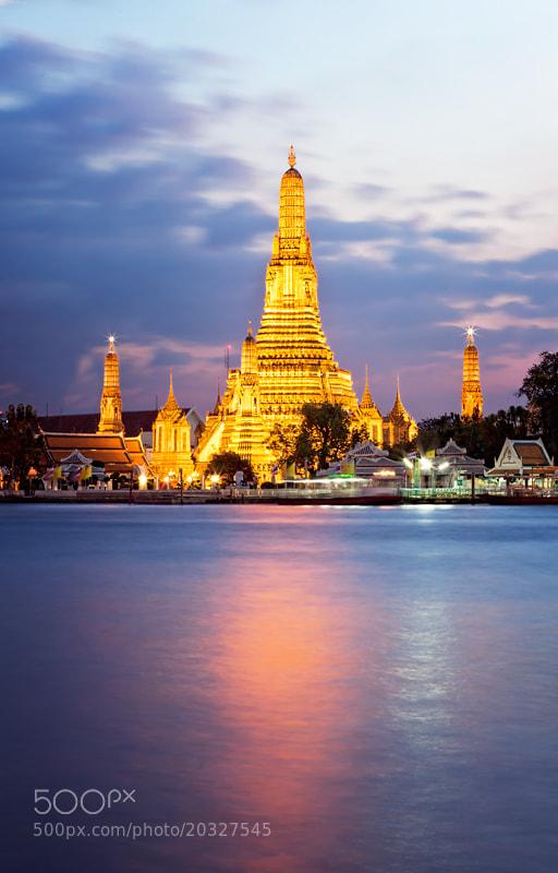 Photograph Sunrise at Wat Arun (Bangkok) by Sonia Blanco on 500px