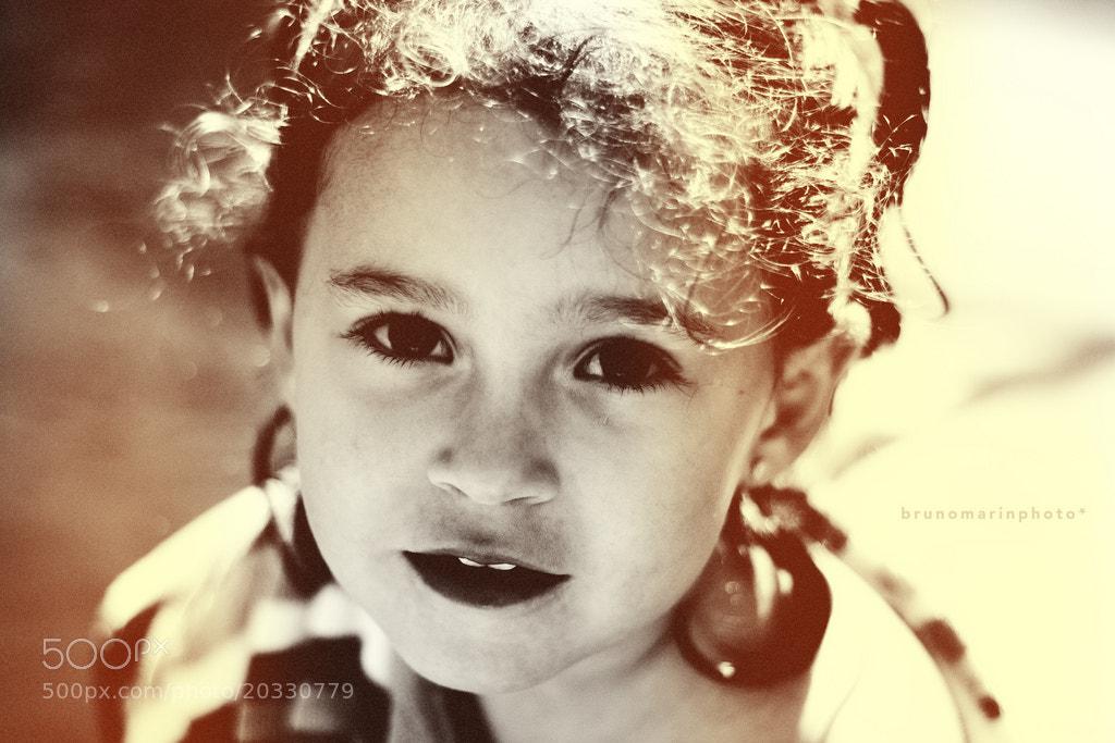 Photograph Half Smiling Sara by Bruno Marín on 500px