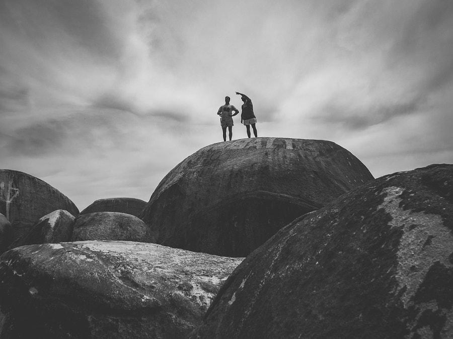 People on the rocks.