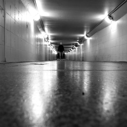 Alone into the tunnel, Fujifilm FinePix S200EXR