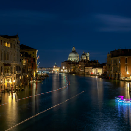 Blue hour in Venice, Canon EOS 6D, Canon EF 28mm f/2.8 IS USM