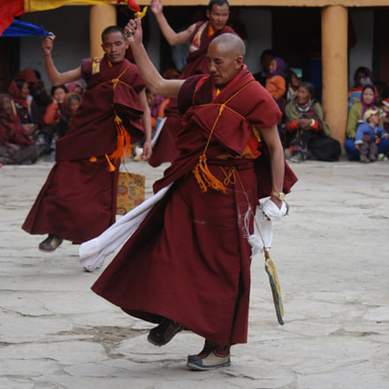 Monks Dancing, Nikon D80, Sigma 70-300mm F4-5.6 APO Macro Super II