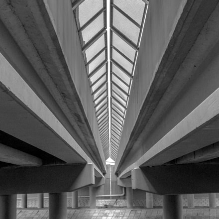 Under the bridge, Pentax K-X, smc PENTAX-DA 17-70mm F4 AL [IF] SDM